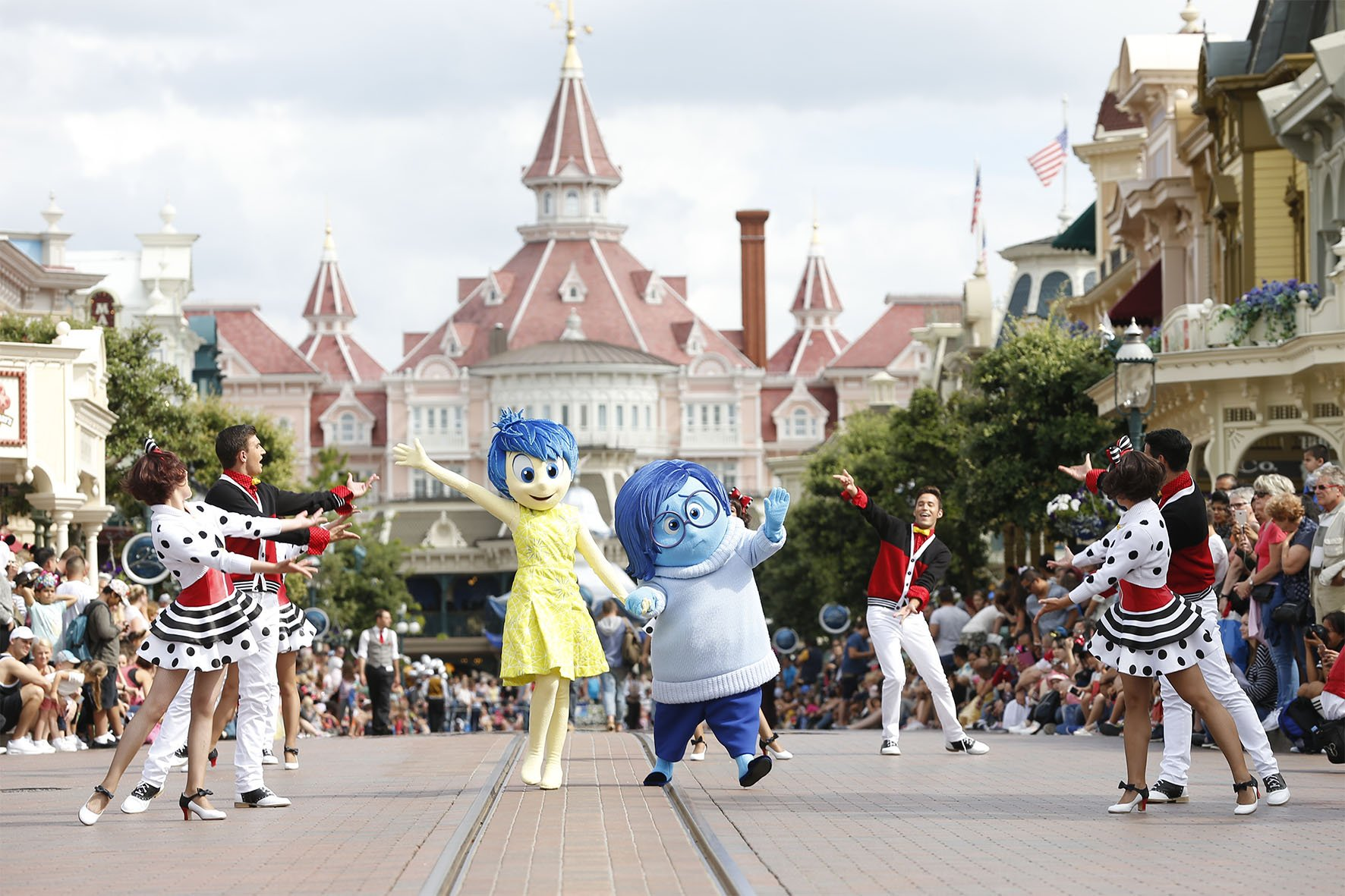 DisneylandParis-TuesdayisaGuestStarDay-JoyandSadness